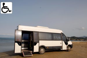 Our luxurius Mini-bus